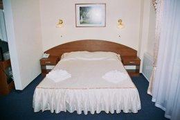 Фото-2 номер Полулюкс - гостиница Алушта