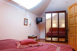 Фото-3 Апартаменты - гостиница Лидия, Феодосия