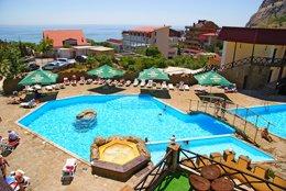 Фото бассейн - отель Бастион, Судак