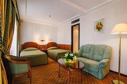 Фото-2 номер Делюкс - гостиница Ореанда, Ялта