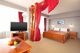 Фото номер Люкс - гостиница Ялта-Интурист, Ялта