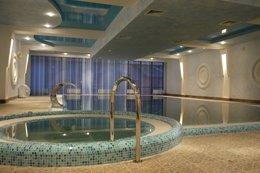 Фото бассейн - отель Рейкарц Аврора, Кривой Рог