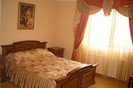Фото-3 гостиница Золотая пава, Берегово