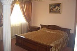 Фото-10 гостиница Золотая пава, Берегово